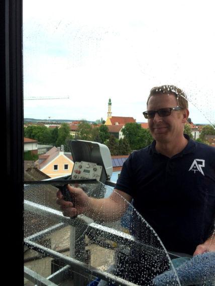 Fenster- und Fassadenreinigung vom Profi